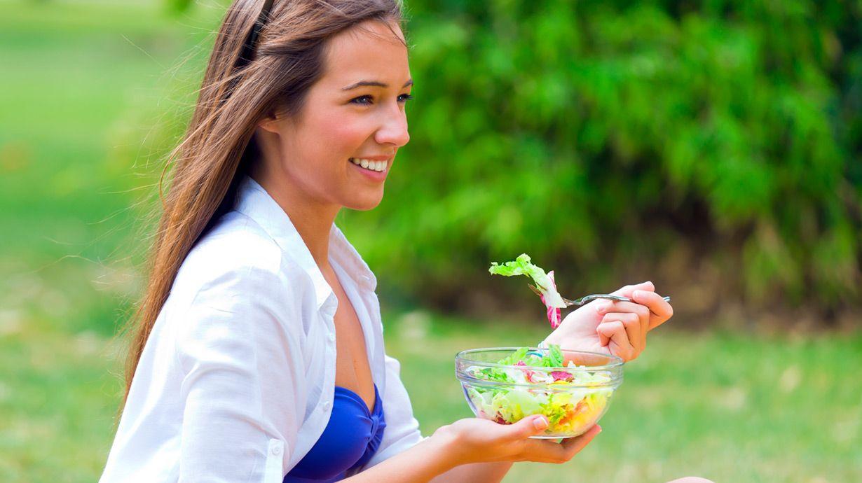 Conoce los consejos claves que te damos para adelgazar de forma saludable.