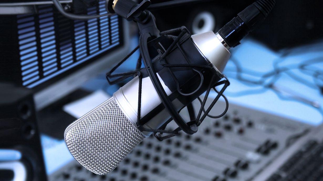 Escucha Salud Natural para todos en tu emisora de radio.